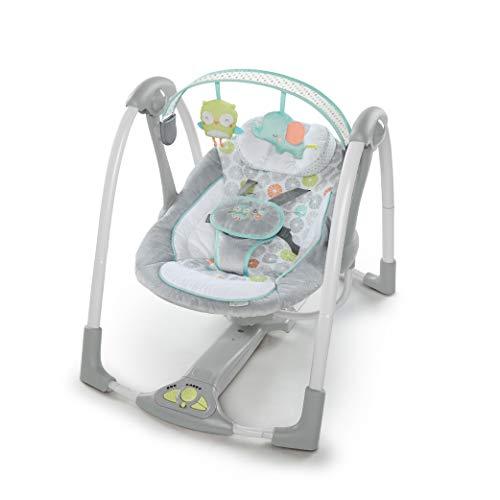Ingenuity, Hugs & Hoots columpio para bebé plegable y portátil con 5 velocidades de columpio, 8 melodías, control de volumen y colgador de juguetes extraíble