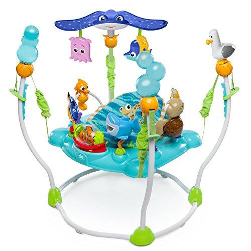 Centro de saltos y juegos con juguetes interactivos