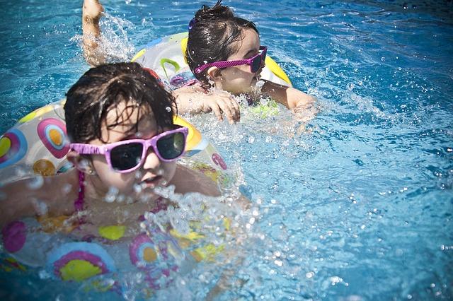 piscinas y niños