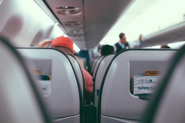 viajar en avion con niños