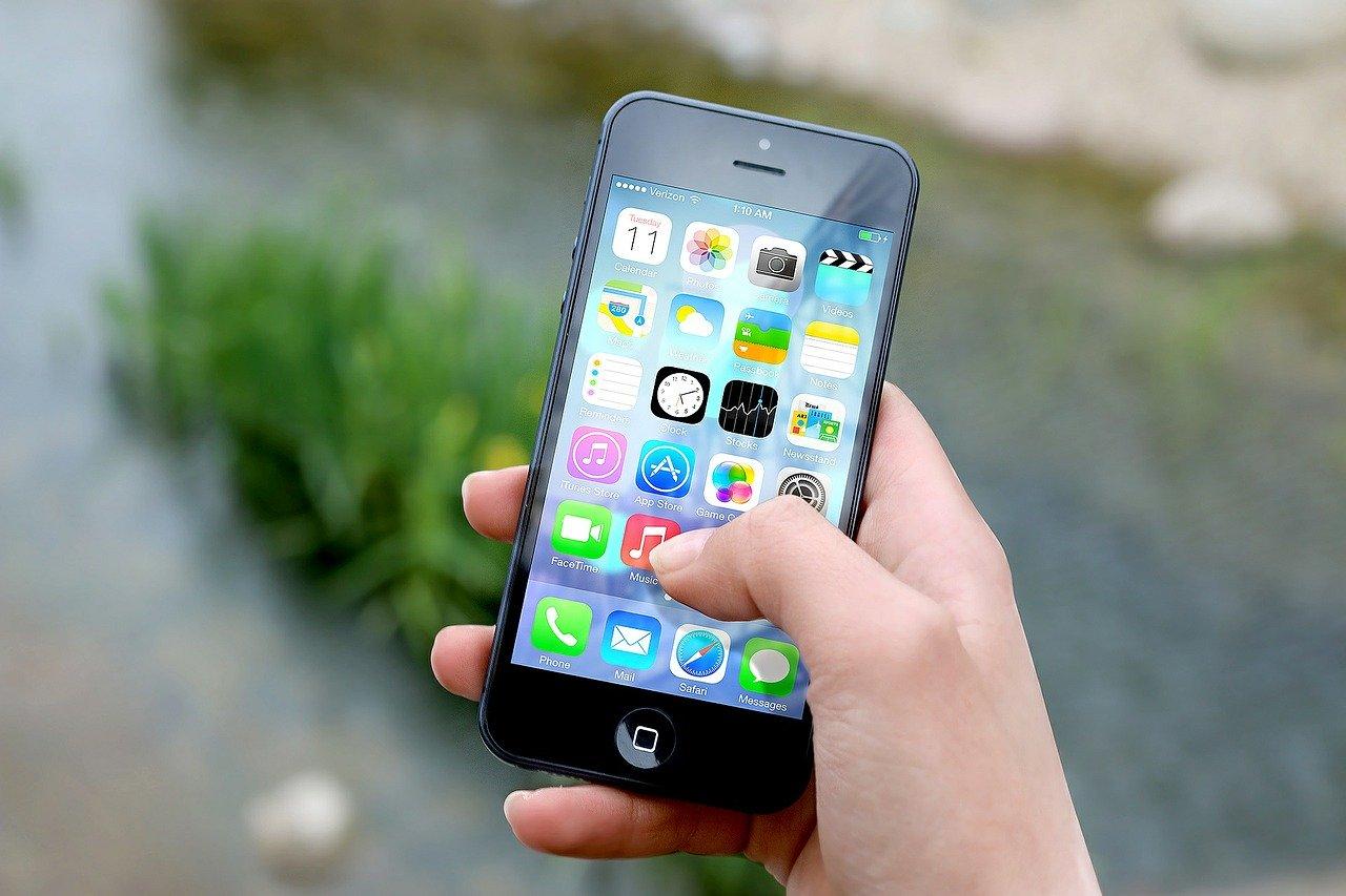 niños y smartphone
