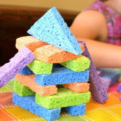 bloques para niños hechos con esponjas