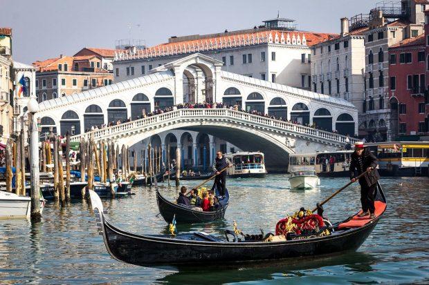 gondolas en venecia