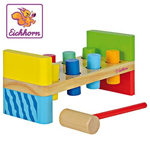 Eichhorn 100002221 - Banco de golpes de colores, contiene: martillo, 8 alfileres de golpe, 10x23,5x11 cm, 10 piezas, madera de pino, madera de abedul